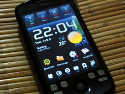 HTC Magic - Front View
